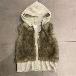 BNWT faux fur sweater vest with hood